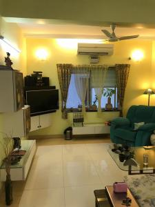 Gallery Cover Image of 1800 Sq.ft 3 BHK Independent House for rent in Banjara Hills for 80000