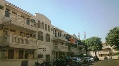 Gallery Cover Image of 1550 Sq.ft 3 BHK Independent Floor for rent in Sector 54 for 45000
