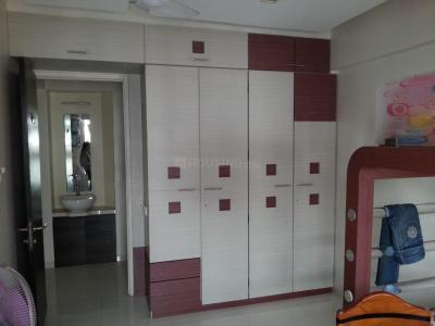 Gallery Cover Image of 1150 Sq.ft 3 BHK Apartment for rent in Group Rushi Heights, Malad East for 48000