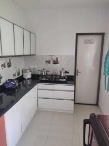 Gallery Cover Image of 1102 Sq.ft 2 BHK Apartment for buy in Tambaram for 4550000