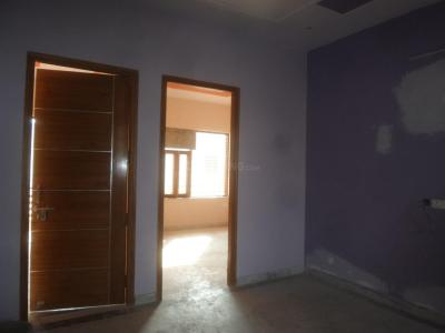 Gallery Cover Image of 850 Sq.ft 2 BHK Apartment for rent in Sector 52 for 21000