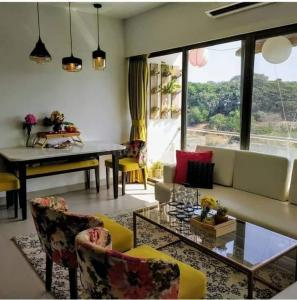 Gallery Cover Image of 1100 Sq.ft 2 BHK Apartment for rent in Eco ParkHousing, Andheri East for 55000