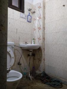 Bathroom Image of Sartaj PG in Ghitorni