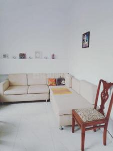 Gallery Cover Image of 550 Sq.ft 1 BHK Apartment for rent in Usha Sadan Apartment, Cuffe Parade for 50000