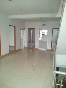 Gallery Cover Image of 2200 Sq.ft 5 BHK Independent Floor for rent in Kalra Colony for 15000