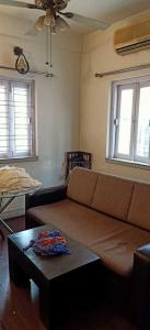 Gallery Cover Image of 1050 Sq.ft 2 BHK Apartment for rent in Kasba for 21000