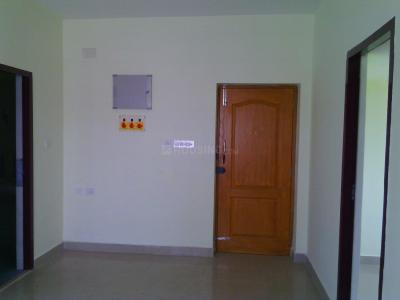Gallery Cover Image of 808 Sq.ft 2 BHK Apartment for rent in Kundrathur for 7000