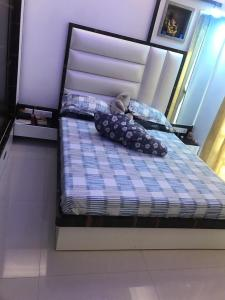 Gallery Cover Image of 850 Sq.ft 2 BHK Apartment for rent in Khar West for 120000