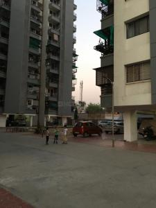 Gallery Cover Image of 1000 Sq.ft 2 BHK Apartment for buy in Atladara for 2500000