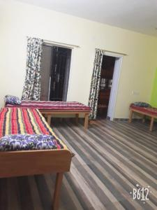 Gallery Cover Image of 1055 Sq.ft 3 BHK Apartment for rent in New Town for 4000
