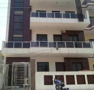 Gallery Cover Image of 2200 Sq.ft 4 BHK Independent Floor for rent in Sector 43 for 19000