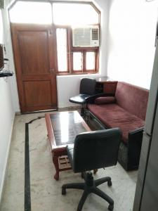 Gallery Cover Image of 660 Sq.ft 1 BHK Independent Floor for rent in Hari Nagar for 13000