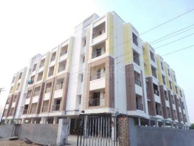 Gallery Cover Image of 860 Sq.ft 2 BHK Apartment for buy in Kundrathur for 3000000