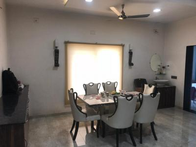 Gallery Cover Image of 3000 Sq.ft 3 BHK Independent House for buy in Thaltej for 33000000