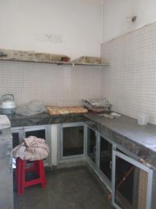 Gallery Cover Image of 1200 Sq.ft 2 BHK Apartment for rent in Jalvayu Vihar, Sector 25 for 17000