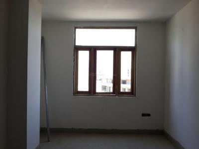 Gallery Cover Image of 700 Sq.ft 2 BHK Apartment for buy in Sector 121 for 2300000