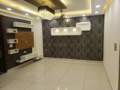 Gallery Cover Image of 1100 Sq.ft 3 BHK Independent Floor for buy in Dwarka Mor for 7100000