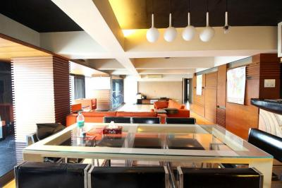 Gallery Cover Image of 3000 Sq.ft 4 BHK Apartment for rent in Dhanush Kutti Apartment, Khar West for 200000