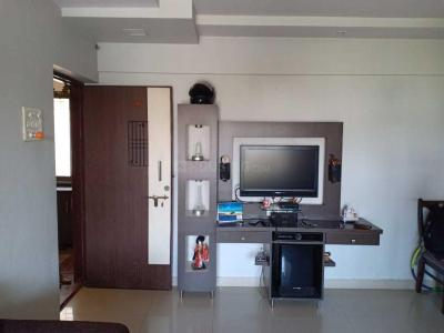 Gallery Cover Image of 855 Sq.ft 2 BHK Apartment for buy in Thane West for 10500000