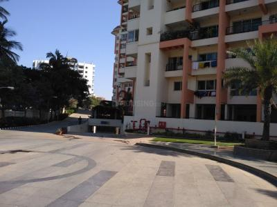 Gallery Cover Image of 1860 Sq.ft 3 BHK Apartment for rent in Mantri Mantri Sarovar, HSR Layout for 50000