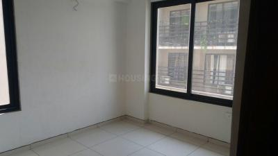 Gallery Cover Image of 1350 Sq.ft 3 BHK Apartment for rent in New Ranip for 11000