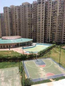Gallery Cover Image of 1425 Sq.ft 3 BHK Apartment for buy in Paramount Floraville by Paramount Propbuild Pvt Ltd, Sector 137 for 7000000
