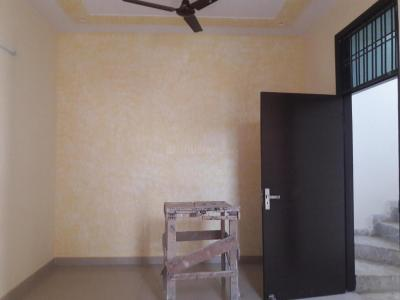 Gallery Cover Image of 1100 Sq.ft 3 BHK Independent Floor for buy in Sehatpur for 3300000