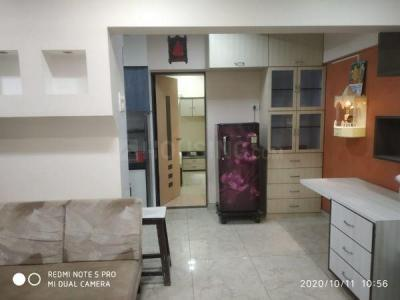 Gallery Cover Image of 1200 Sq.ft 2 BHK Apartment for rent in Mahaveer Tower, Worli for 62000