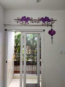 Gallery Cover Image of 580 Sq.ft 1 BHK Apartment for rent in Pragnya Eden Park, Siruseri for 13000