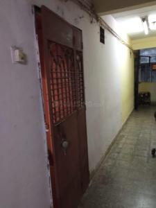 Gallery Cover Image of 360 Sq.ft 1 RK Apartment for rent in Chatrapati Shivaji Raje Complex, Kandivali West for 9508