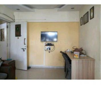 Gallery Cover Image of 700 Sq.ft 1 BHK Apartment for rent in RNA Regency Park, Kandivali West for 25000