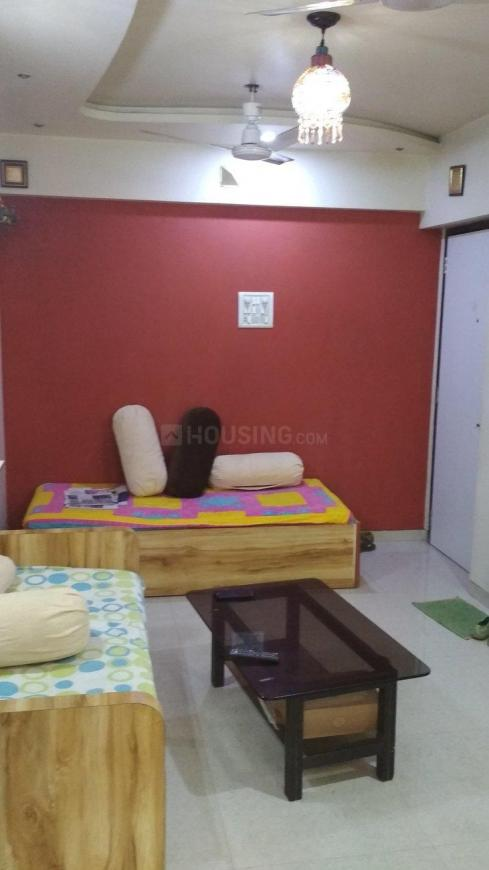 Living Room Image of 900 Sq.ft 2 BHK Apartment for buy in Thane East for 10000000