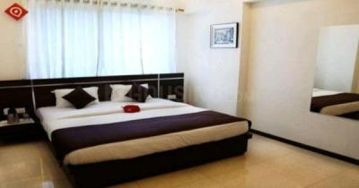 Gallery Cover Image of 950 Sq.ft 2 BHK Apartment for buy in Kandivali West for 18500000
