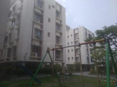 Gallery Cover Image of 905 Sq.ft 2 BHK Apartment for rent in Rameswara Waterview, Rajarhat for 10000
