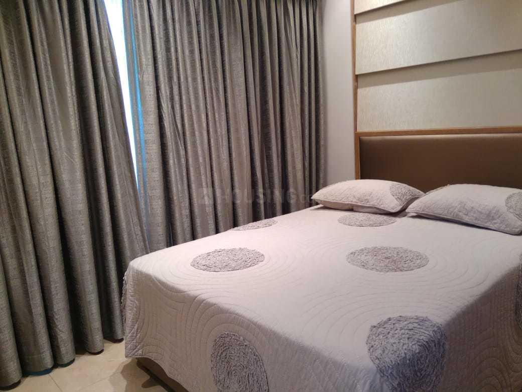 Bedroom Image of 1800 Sq.ft 3 BHK Apartment for buy in Malad East for 25000000