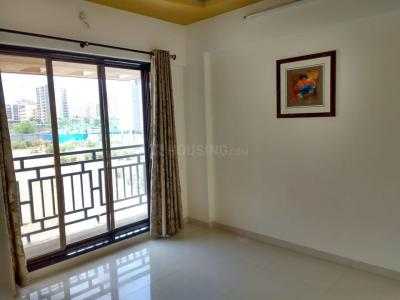 Gallery Cover Image of 650 Sq.ft 1 BHK Apartment for rent in Kothari Kotharis Seven Eleven Complex, Mira Road East for 12500