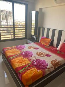 Gallery Cover Image of 255 Sq.ft 3 BHK Apartment for buy in Science City for 15000000