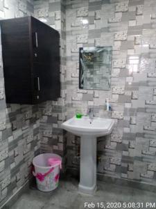 Bathroom Image of PG 5320584 Kirti Nagar in Kirti Nagar