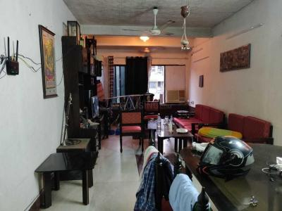 Gallery Cover Image of 670 Sq.ft 2 BHK Apartment for rent in Bandra East for 79000