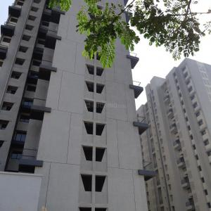 Gallery Cover Image of 855 Sq.ft 1 BHK Apartment for rent in Dombivli East for 10000