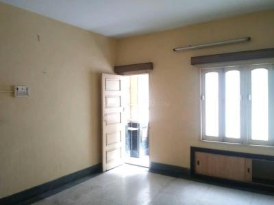 Gallery Cover Image of 1200 Sq.ft 3 BHK Apartment for rent in Lake Town for 15000