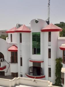 Gallery Cover Image of 3200 Sq.ft 4 BHK Independent House for rent in Sector 39 for 50000