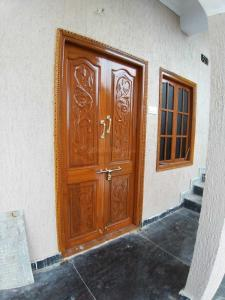 Gallery Cover Image of 1000 Sq.ft 2 BHK Independent House for rent in Narsingi for 15000