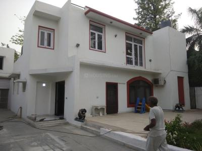 Gallery Cover Image of 5000 Sq.ft 3 BHK Independent House for rent in Neb Sarai for 80000