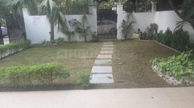 Gallery Cover Image of 5000 Sq.ft 4 BHK Villa for rent in 106 New Friends Colony , New Friends Colony for 330000