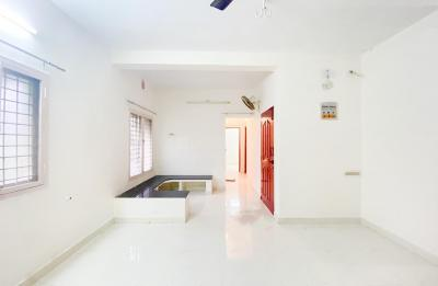 Gallery Cover Image of 1400 Sq.ft 3 BHK Apartment for rent in Sembakkam for 14000