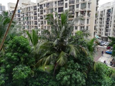 Gallery Cover Image of 640 Sq.ft 2 BHK Apartment for buy in Evershine Millenium Paradise Phase 1, Kandivali East for 12300000