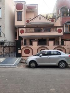 Gallery Cover Image of 4000 Sq.ft 5 BHK Independent House for buy in Sector 56 for 33000000