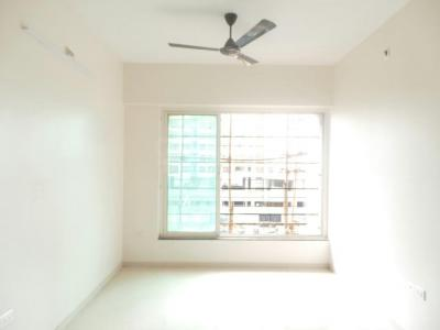 Gallery Cover Image of 840 Sq.ft 3 BHK Apartment for rent in Kandivali East for 30000