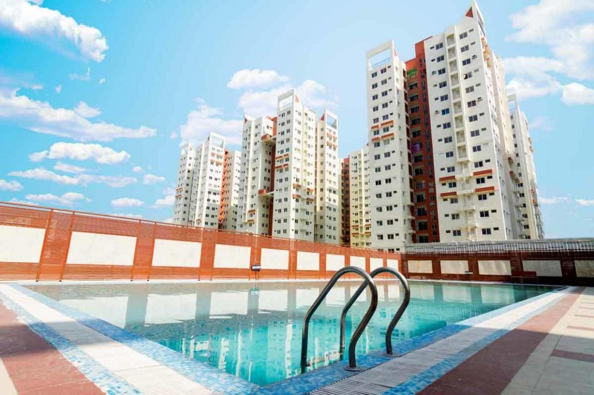 Swimming Pool Image of 1377 Sq.ft 3 BHK Apartment for rent in Maheshtala for 10000